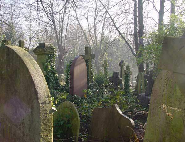 highgate_cemetery-1