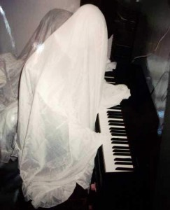 piano ghost prop