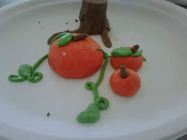 Play dough pumpkins!