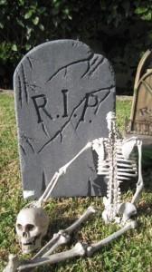 mel-graveyard-skeleton