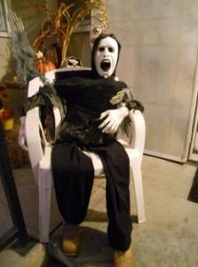 Halloween ghoul prop