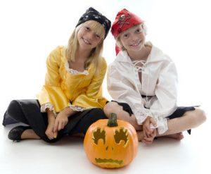 easy pirate costume