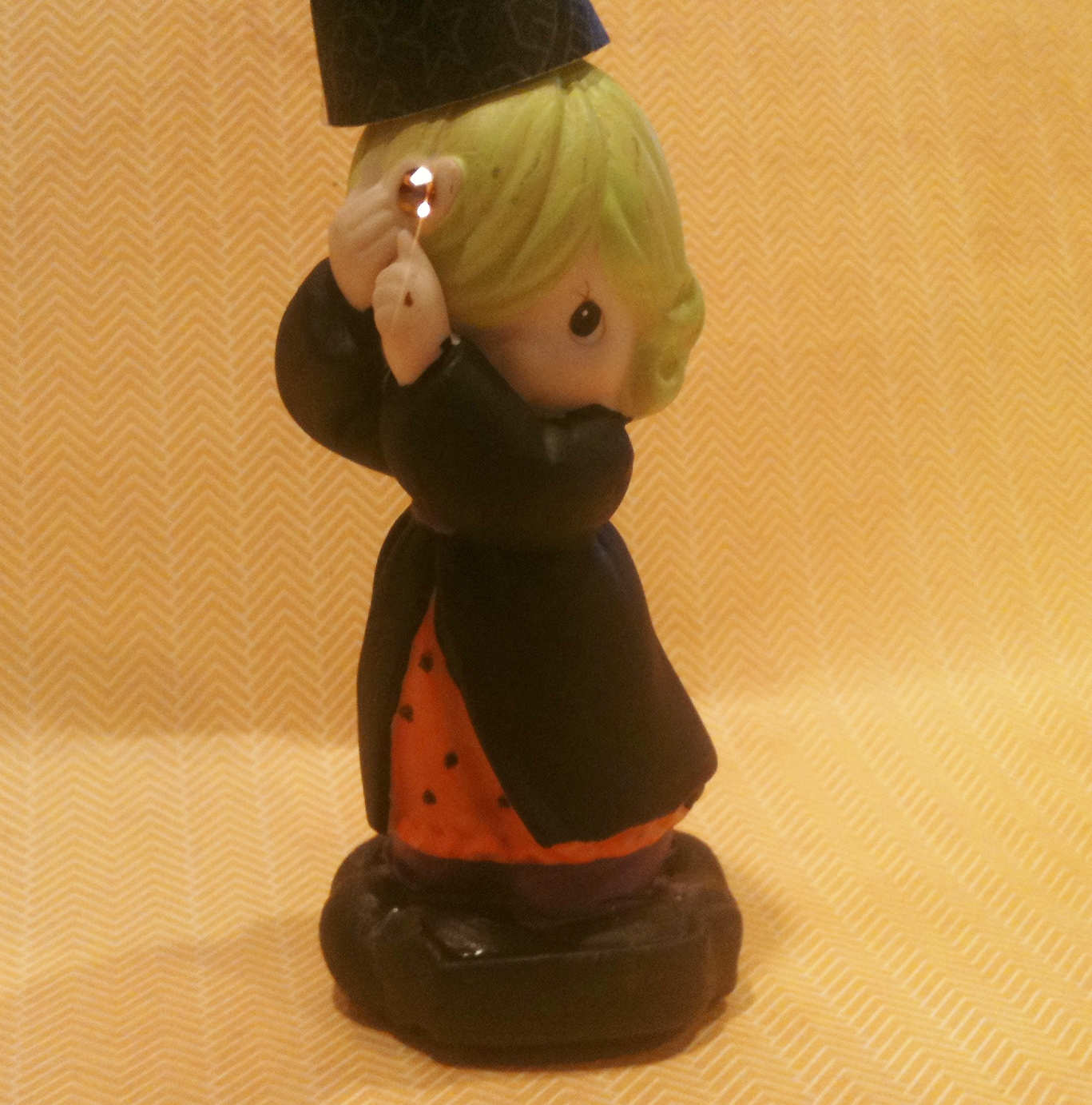 Cute, innocent figurine revamped!