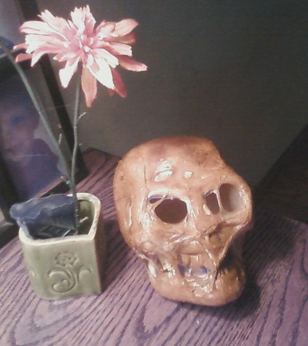 Make a Decaying Mummy Skull Prop - Halloween Alliance