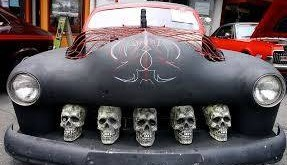 Halloween Car Skulls