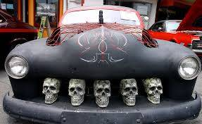 car decor idea 9 all up in your grille halloween - Car Decorations For Halloween