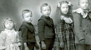 daguerreotype of five children one passed away